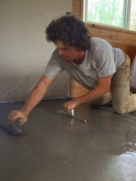 Andrew puts his many years of concrete work to good use on the tiny house