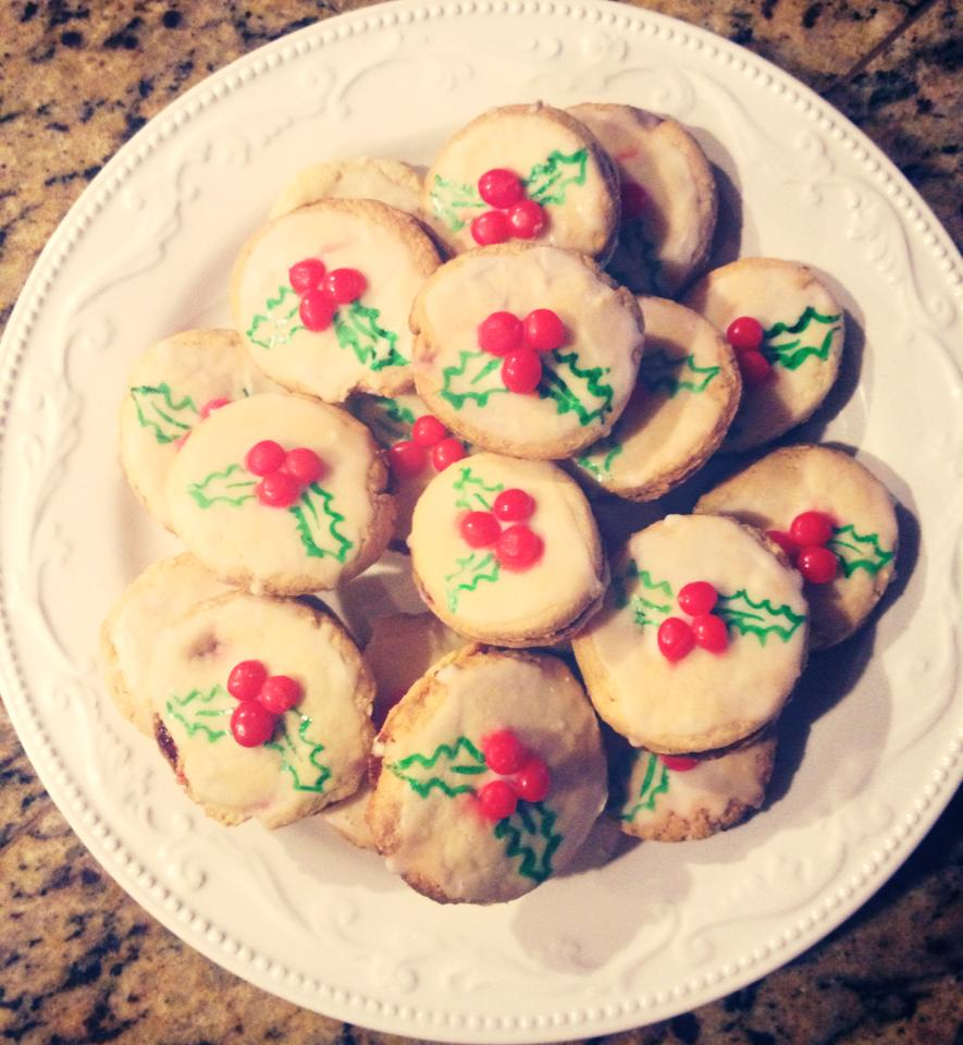 I made these cookies in honor of my own Christmas tradition. <3