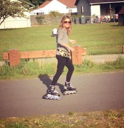 Roller blading, just like it's 1995 again!